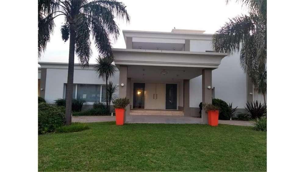 Av Luchesse Lote / N 0 - UD 1.300.000 - Casa en Venta