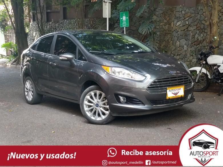 Ford Fiesta Titanium - Financiamos rápido