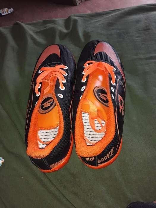 Guallos Nike