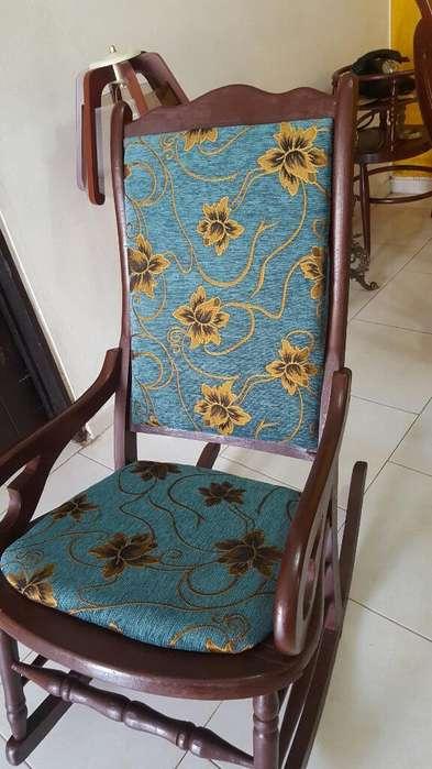 Vendo Hermosa <strong>silla</strong> Mecedora Tapiaza