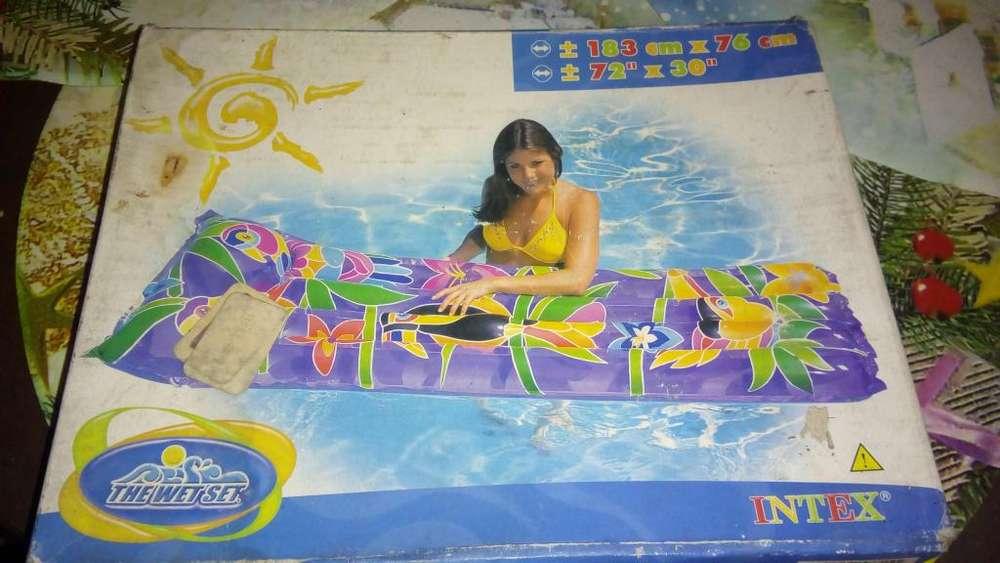 Colchoneta inflable para piscina o playa
