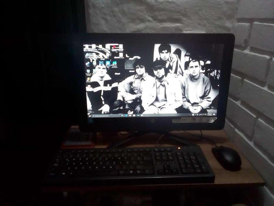 Computador HP todo en uno, en muy buen estado