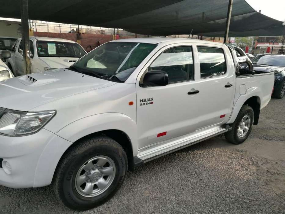 Toyota Hilux 2012 - 110000 km