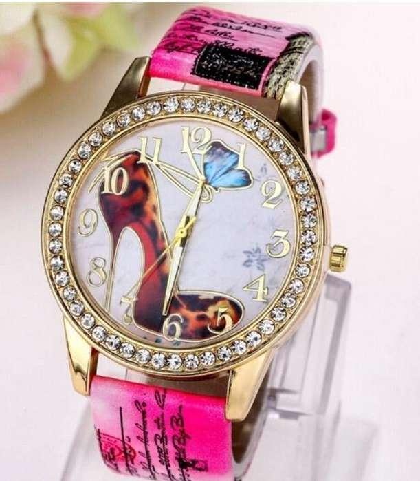 Reloj De Mujer Rosado Gran Diseño