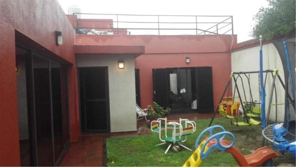 Villa Cabrera, Julian Paz 1800 - UD 150.000 - Casa en Venta