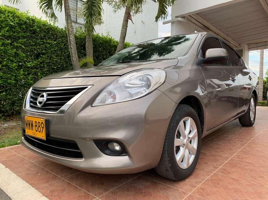 Nissan Versa 2013 - 52000 km