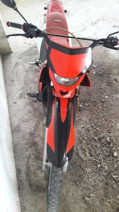 Moto Sukida 200