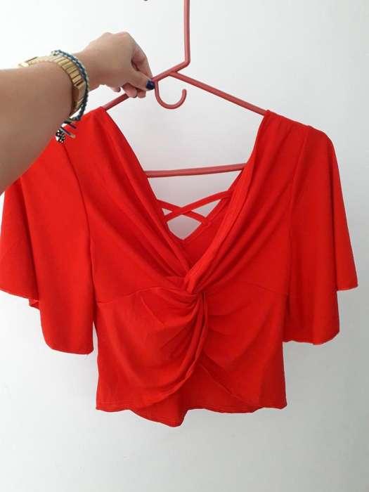 Blusa Roja Nueva