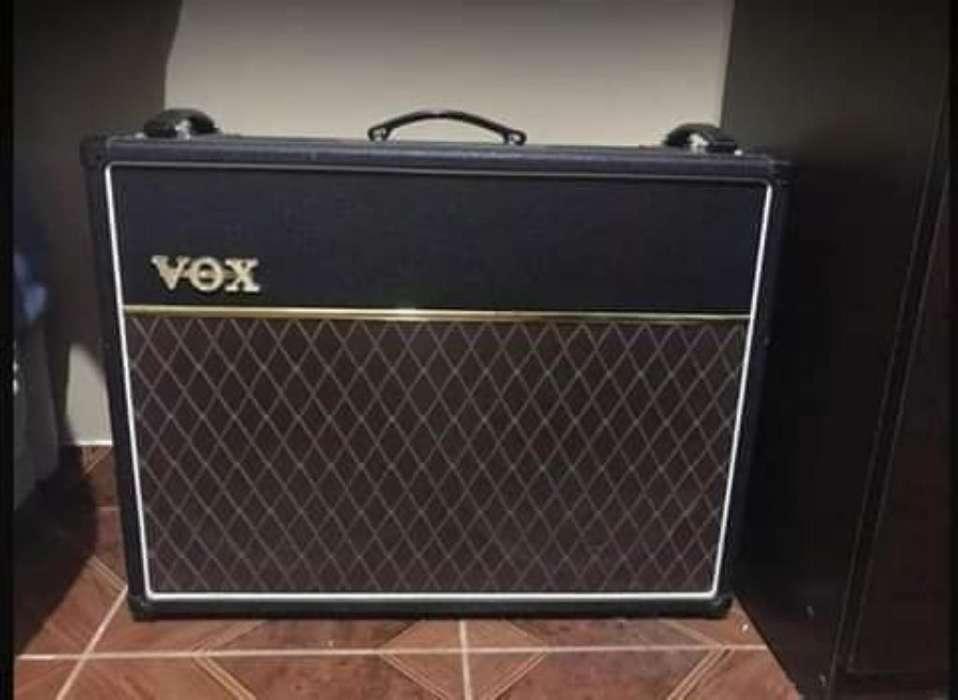 Amplificador a Tubos Vox Ac30