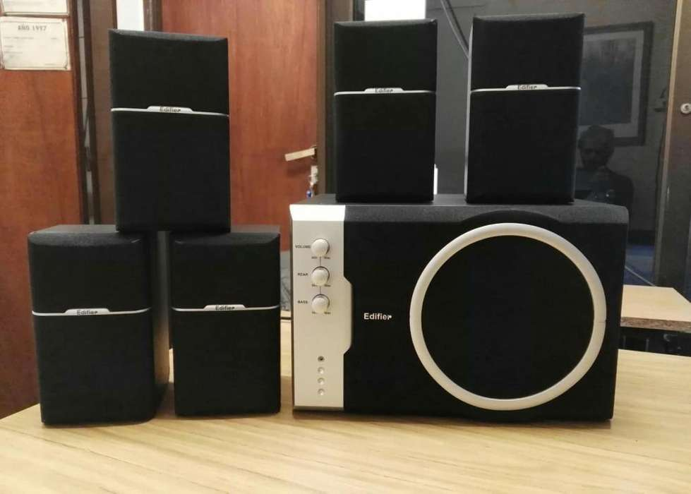 Parlantes Home Theater 5.1 Edifier