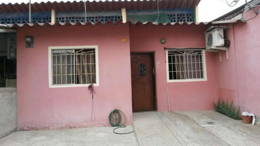 Se Vende Casa en Urb. Villa España Etapa Sevilla Norte de Guayaquil 38.500 fijos