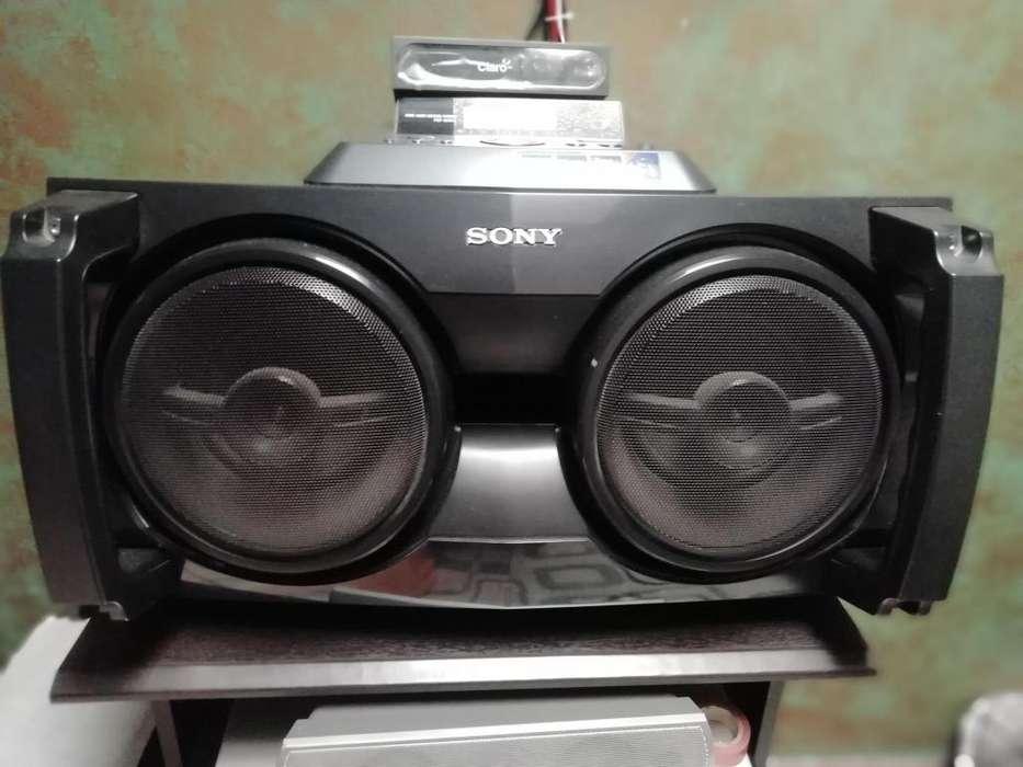 ''GANGA '''VENDO O CAMBIO equipo de sonido sony como nuevo