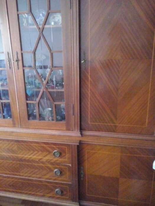 Mueble Cristalero Ingles