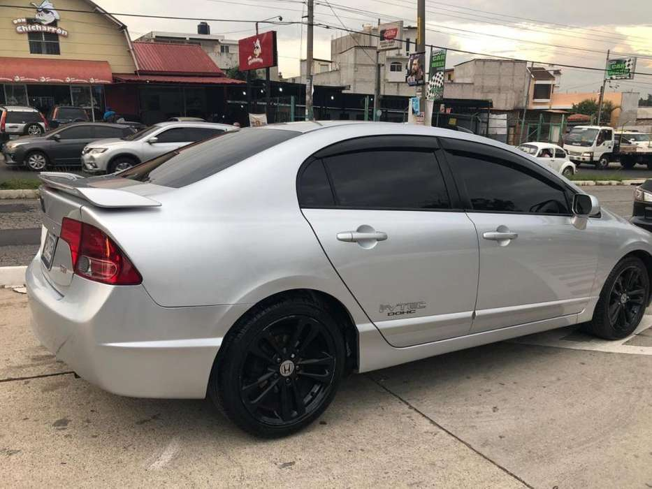 Honda Civic 2007 - 154000 km