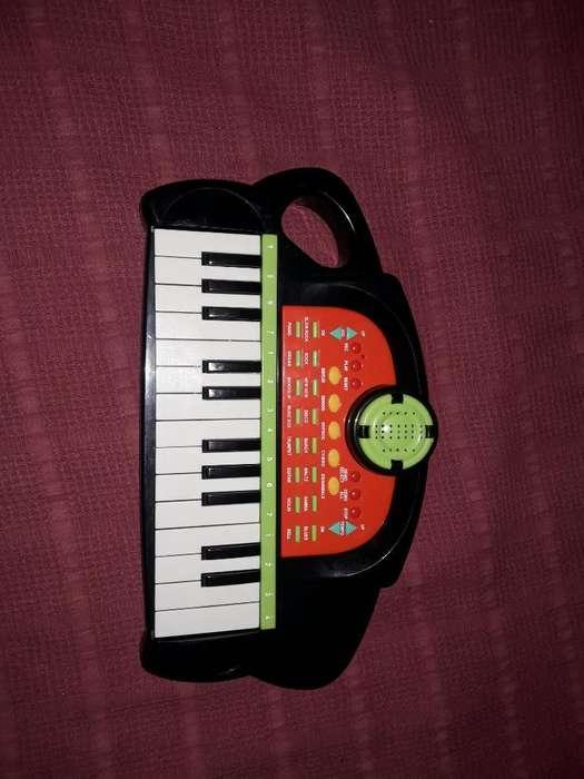 Organo con Sonidos Y Bases de Ritmos
