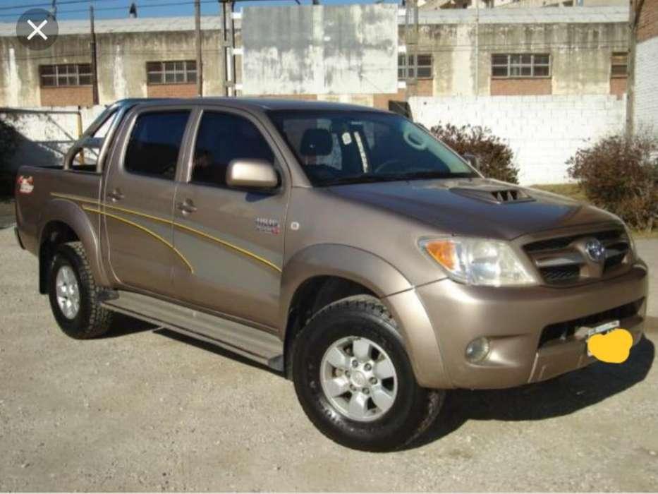 Toyota Hilux 2005 - 210000 km