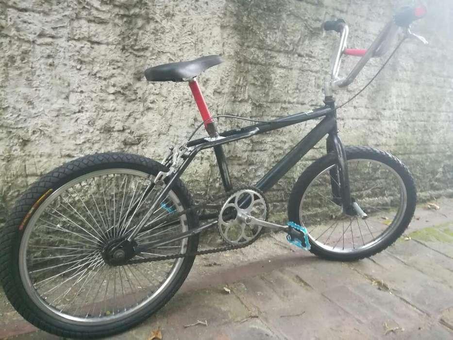 Vendo O Permuto Bicicleta Completa.
