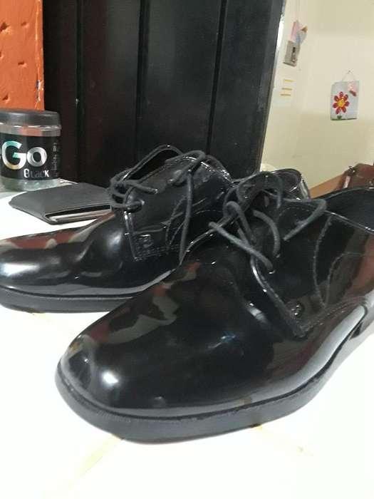 Zapatos Charolado Americanos.