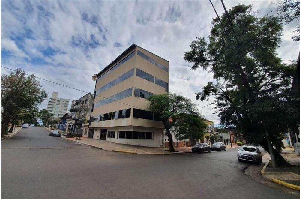 Edificio de consultorios en venta en Posadas