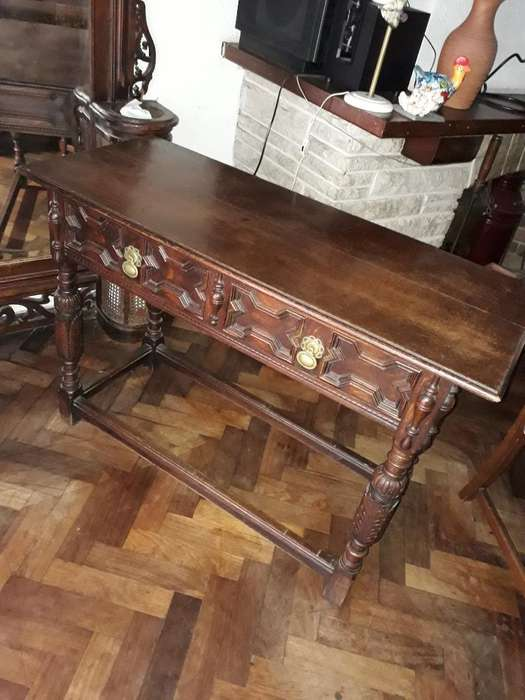 Mueble Antiguo de Estilo