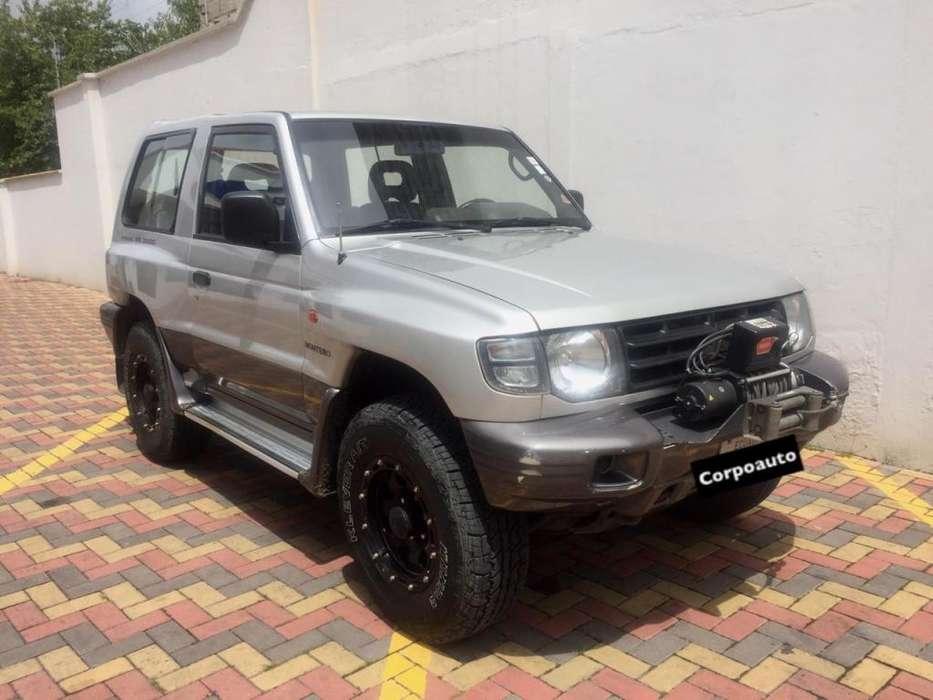 Mitsubishi Montero 1999 - 260000 km