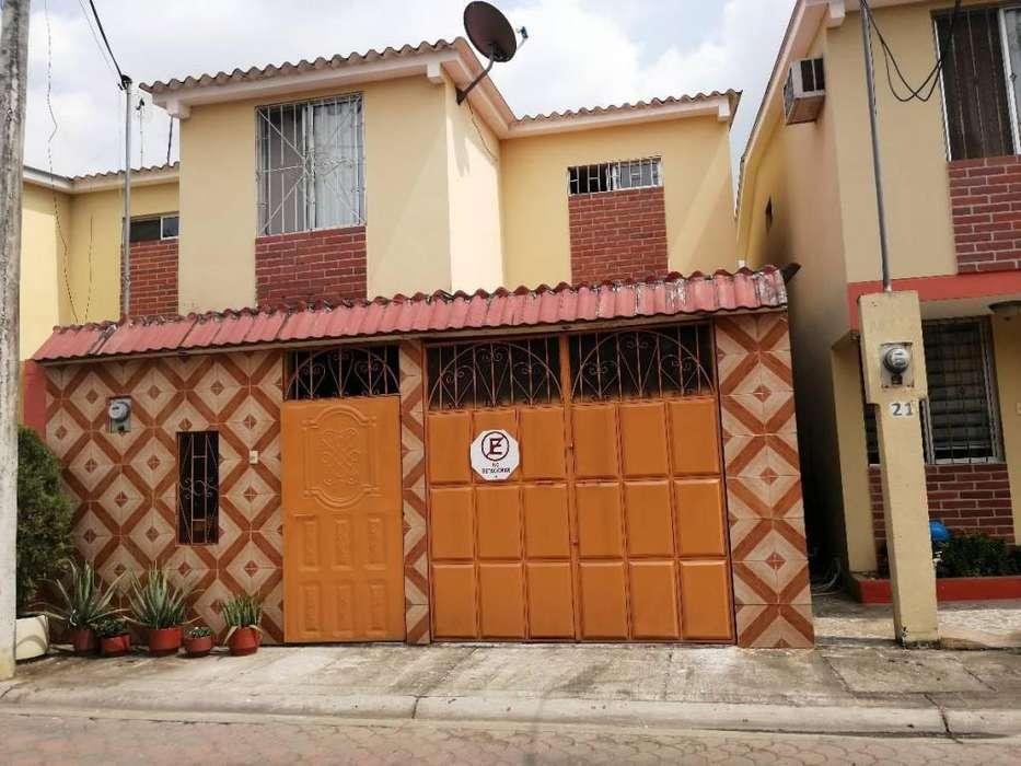 Casa en Venta - Av Francisco de Orellana - J. Moncada