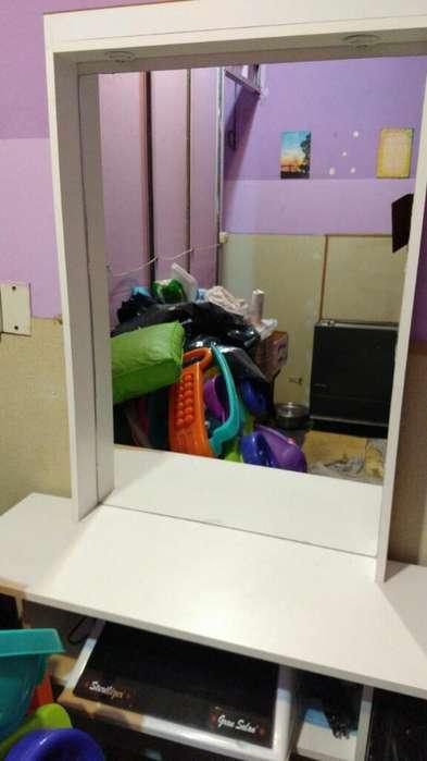 Toilette Mueble Peluqueria con Espejo