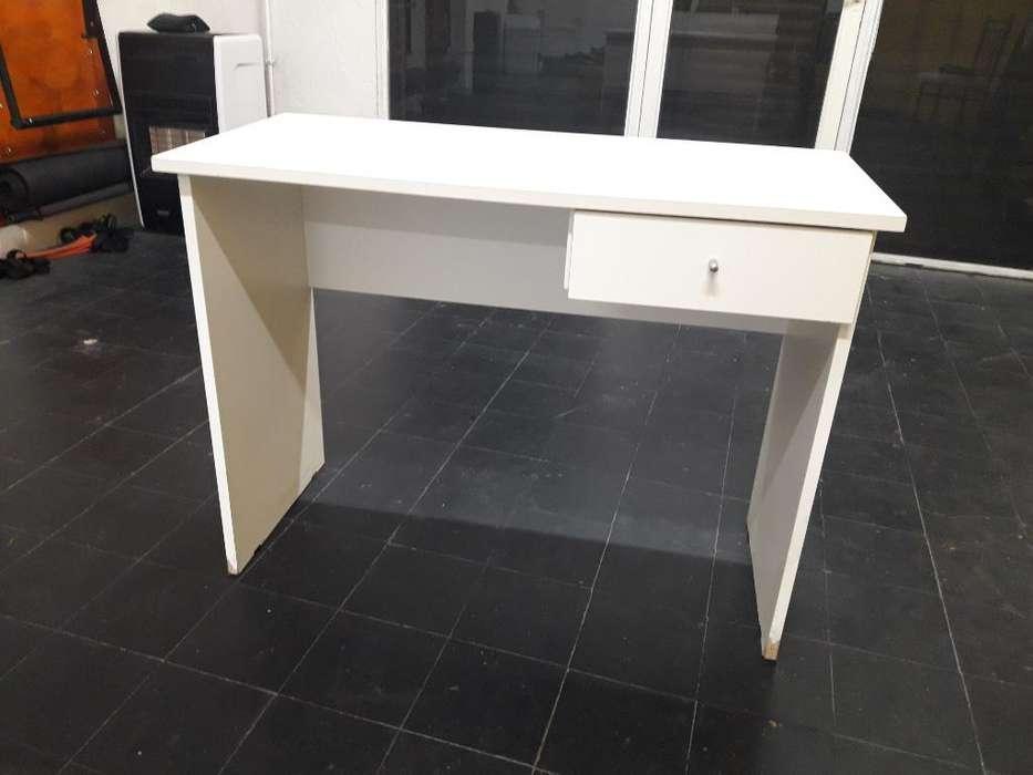 <strong>escritorio</strong> con Cajon de Melamina