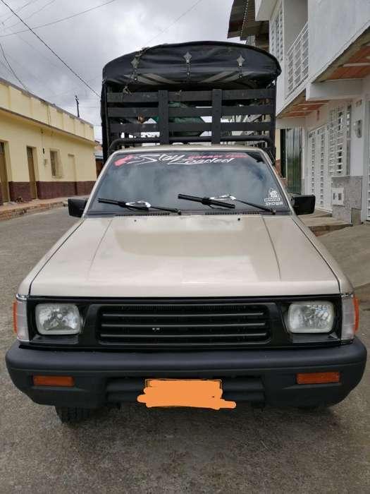 Mitsubishi L200 1998 - 100000 km