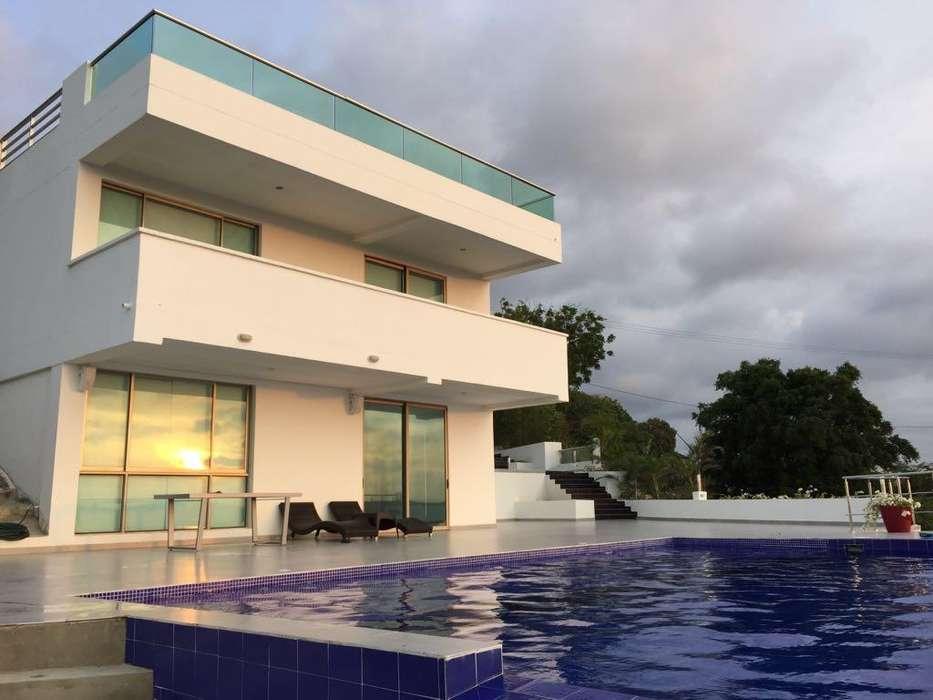 Vendo Casa en Urbanización Club Lagos de Caujaral a 5 minutos de Barranquilla