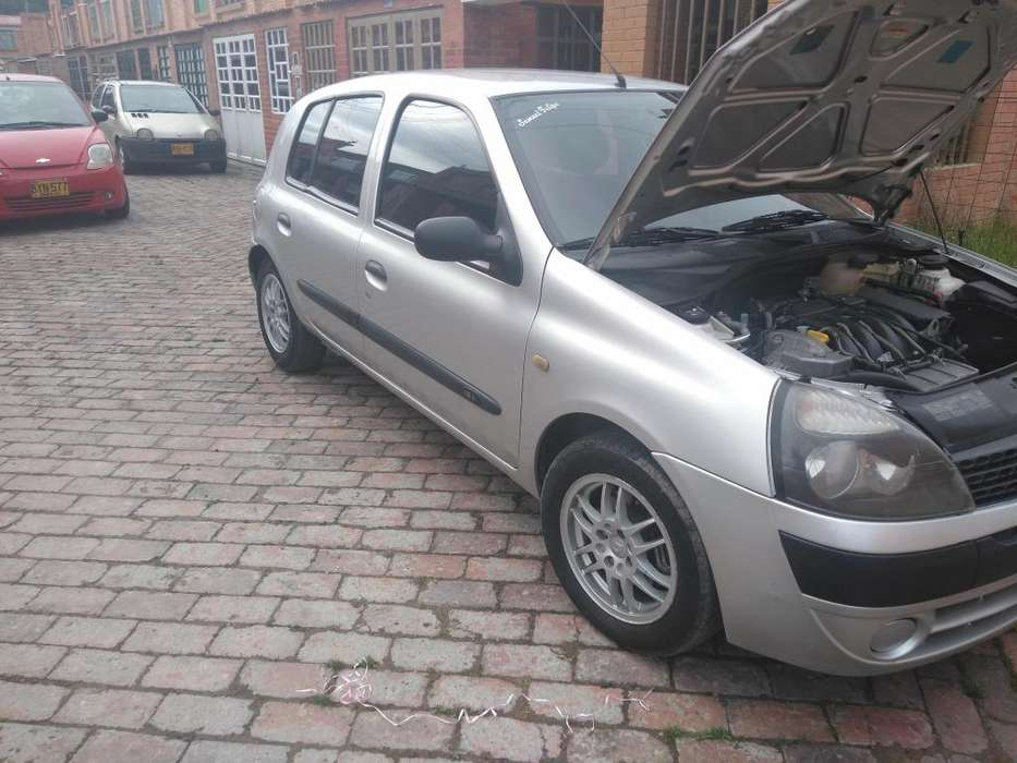 <strong>renault</strong> Clio  2004 - 160000 km