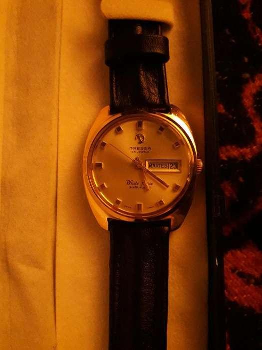 Vendo Reloj Tressa Enchapado en Oro