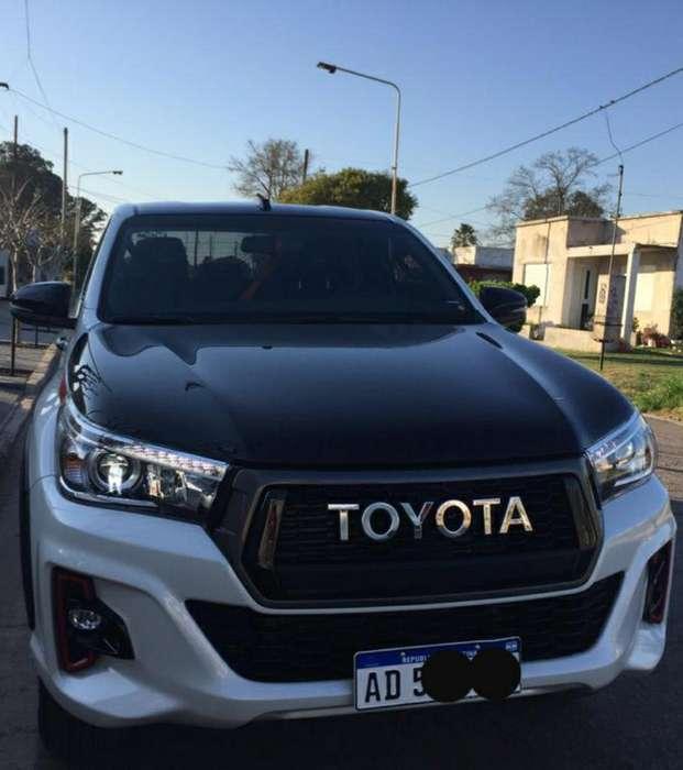 Toyota Hilux 2019 - 1900 km