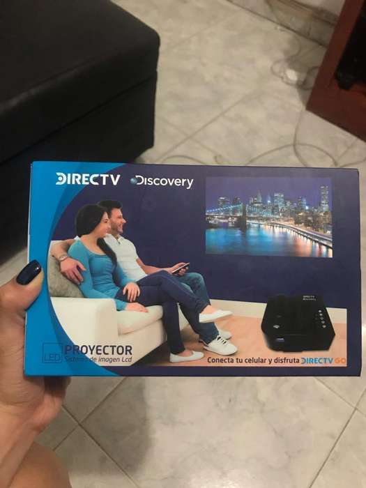 Proyector de video portatil HD NUEVO!