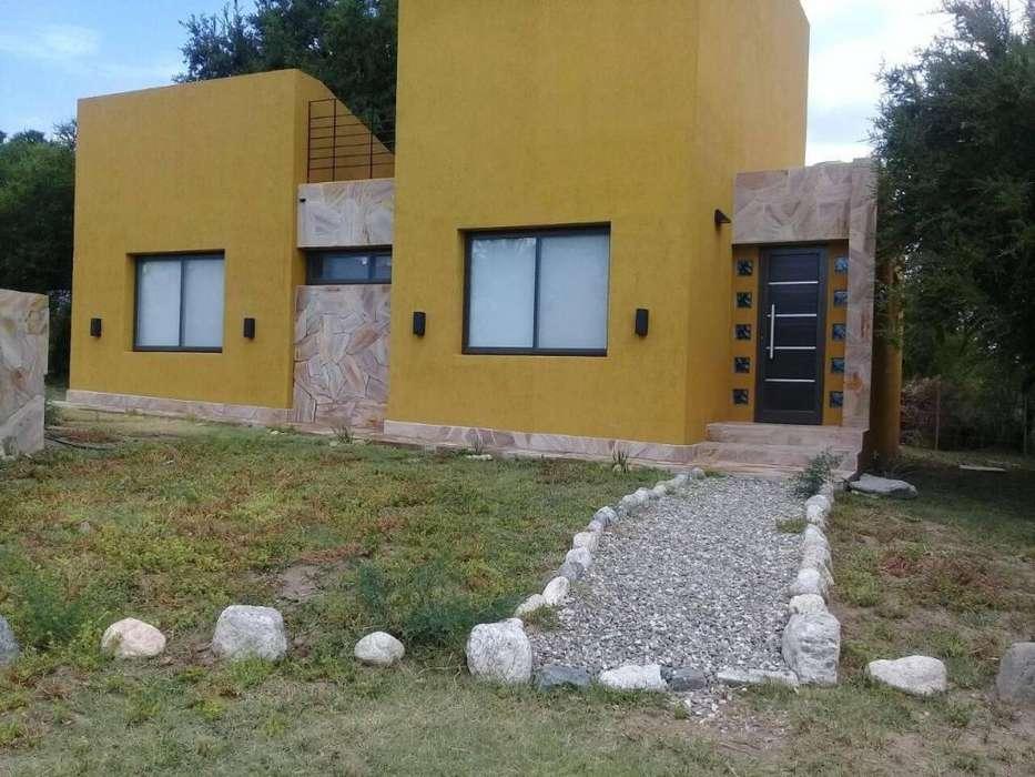 kl61 - Casa para 2 a 4 personas con pileta y cochera en Villa De Merlo
