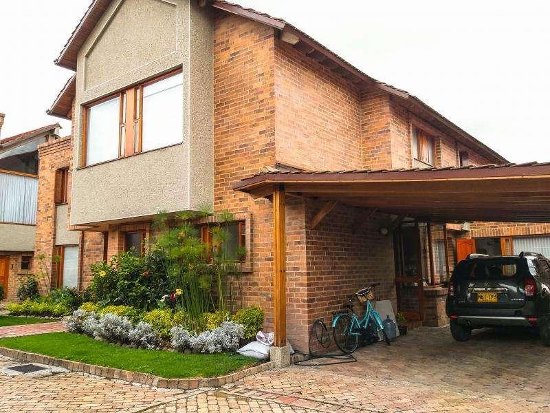 Casa En Venta En Bogota San José De Bavaria Cod. VBLUQ2019060007