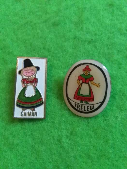 Pin lote X 2 Gaiman Y Trelew Niñas galesas Patagonia Chubut 1970