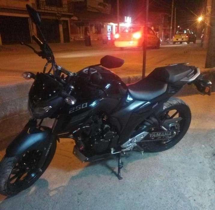Moto Yamaha Fz 250 2019