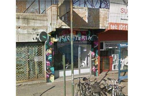 Local en Exelente Ubicación - Temperley