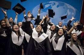 Se dictan clases de Economía para alumnos de la UPC,UP, ULima, ESAN,USIL