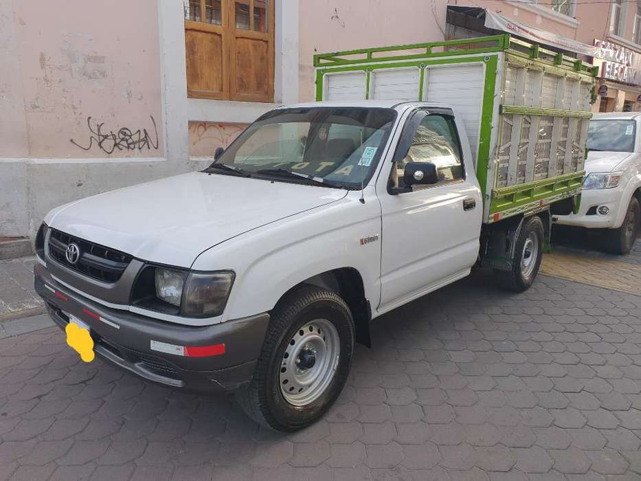 Toyota Stout 2006 - 200000 km