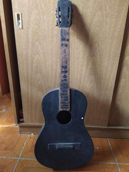 Guitarra Criolla sin Cuerdas