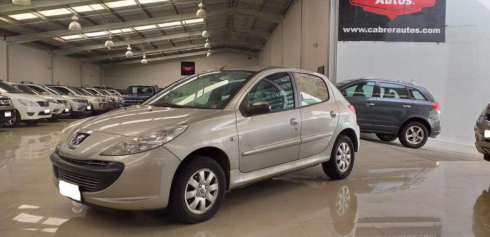 Peugeot 207 2011 - 94393 km