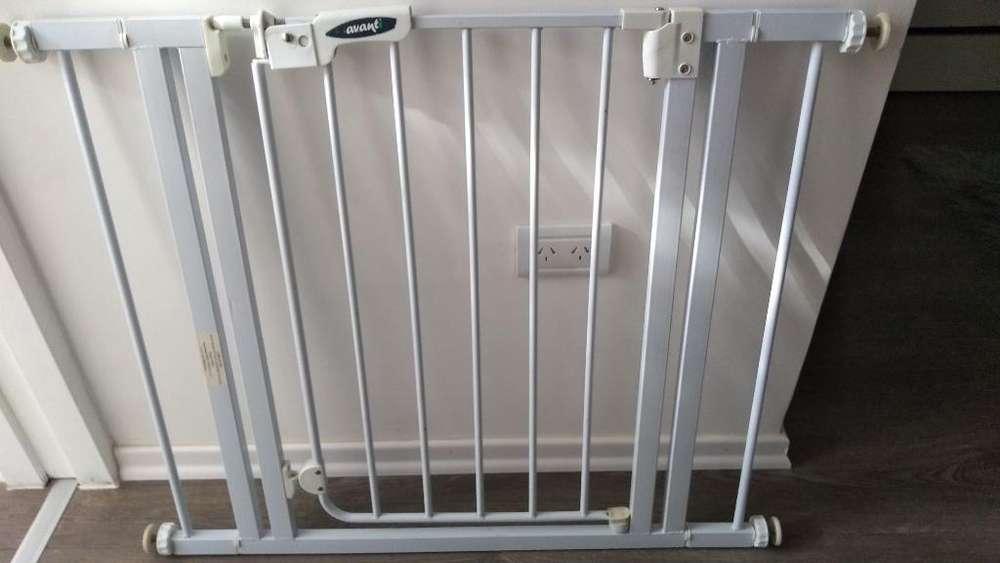 Puerta Seguridad Escalera Avanti