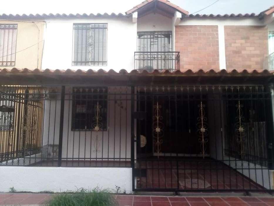 HERMOSA <strong>casa</strong> EN LUGAR RESIDENCIAL.-
