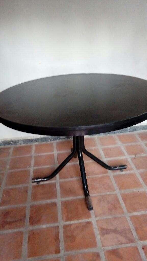 Mesa de Caño con Laminado Negro Liquido