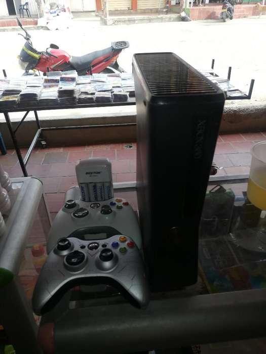 Vendo Xbox 360 Slim 360.000