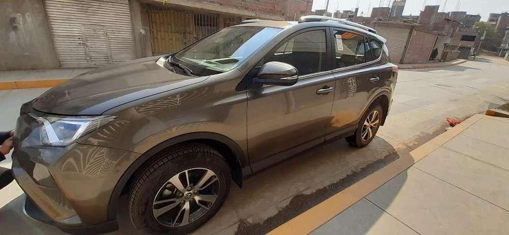 Toyota RAV4 2016 - 3400 km