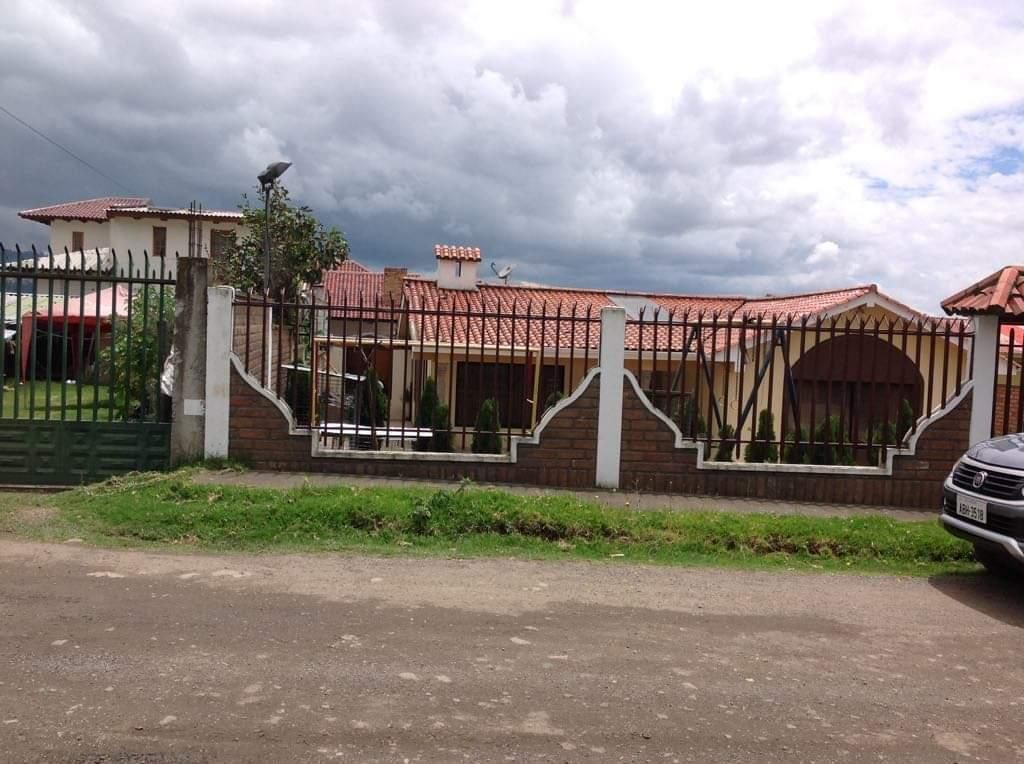 Casa en Misicata con Gran Terreno de 5 Dor, Viva lejos del Ruido y Smoke.
