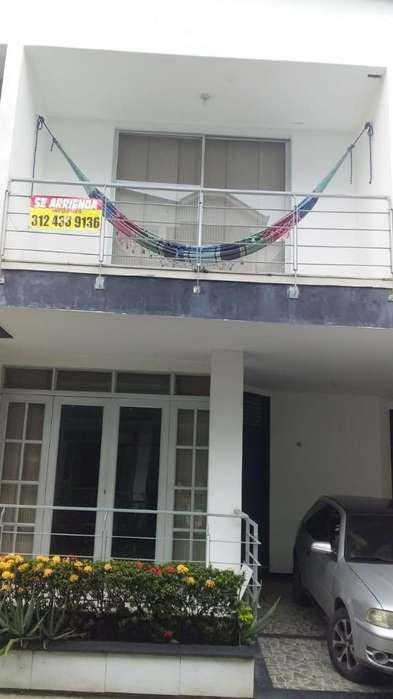 Vendo Hermosa Amplia Casa Villavicencio